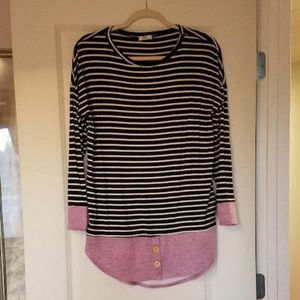 Layered look top B&W stripe with Pink cuff/tails